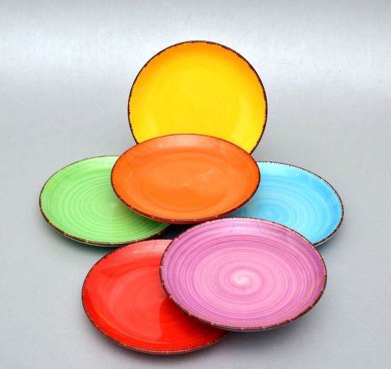 Keraamiliste desserttaldrikute komplekt Набор керамических десертных тарелок